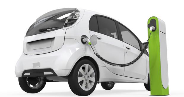 Varga: a kormány támogatja az elektromos autók vásárlását