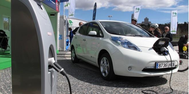 Csökkenhet az elektromos autók akkujának súlya