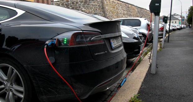 Norvégiában a szeptemberben eladott autók közel felében van elektromotor