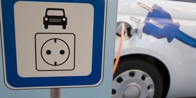 Elektromosautó-töltőállomásra pályázik Pécs