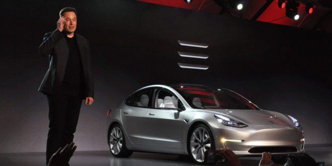 Tesla: 3 mp alatt gyorsulnak 100 km/h-ra a Model 3-asok