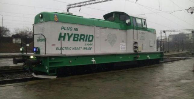 Hibrid mozdonyt gyártott a román vasút