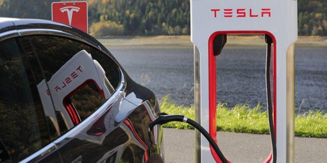 Változik a Teslák árazása a Superchargereknél