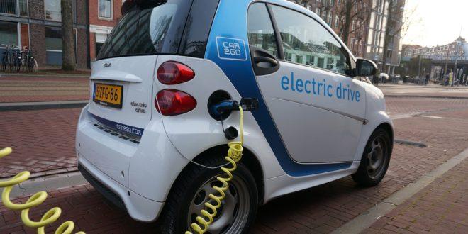 Német tudósok: az elektromos autók nem jelentenek megoldást a szén-dioxid-kibocsátás csökkentésére