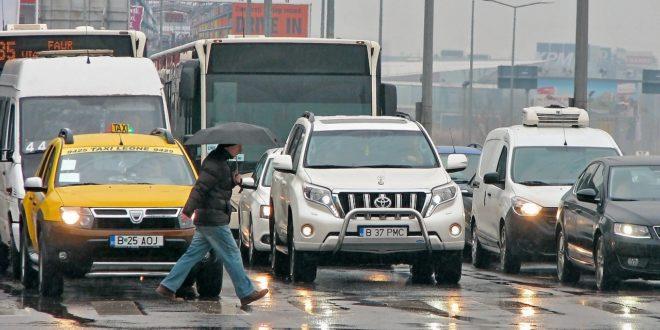 Kitiltanák Bukarest központjából a környezetszennyező autókat