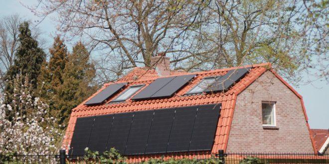 Minden tető napelemes rendszert kap ebben a városban