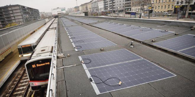 Hajlékony napelemeket kapott egy bécsi metróállomás