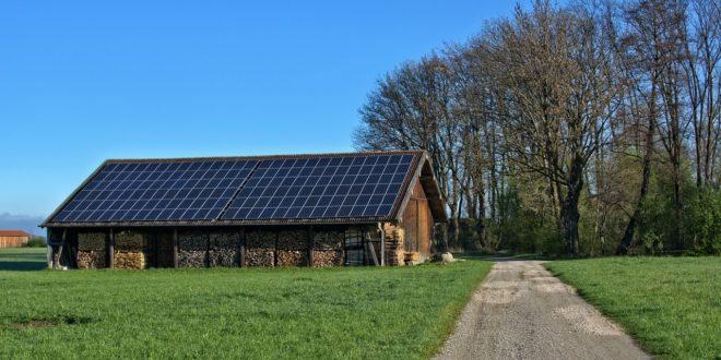 Megéri visszatáplálni a napelemekkel a hálózatba?