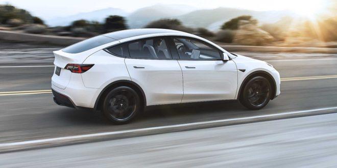 Márciusban szállítják a Tesla Model Y autókat