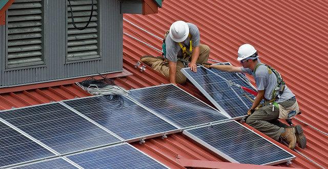 Jó hír érkezett, ha hitelből telepítene napelemet