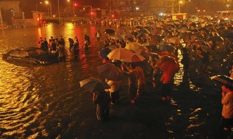 esőzés Pekingben
