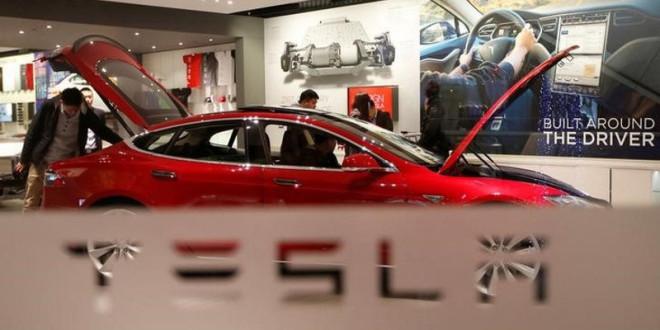 Átlépte a 100 milliárd dollárt a Tesla piaci tőkeértéke