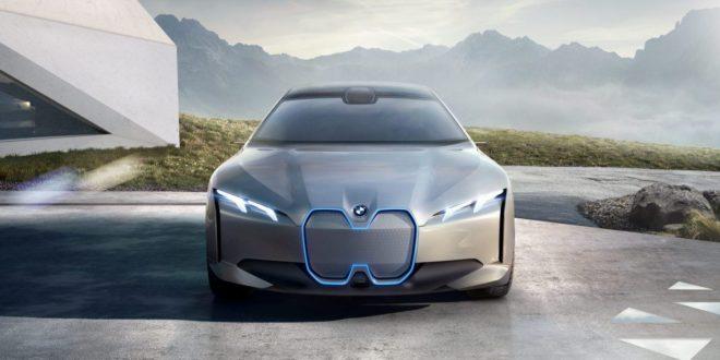 A BMW mégis beleáll az elektromos autókba