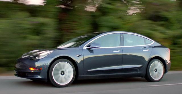 Folyamatosan gyorsul a Tesla Model 3