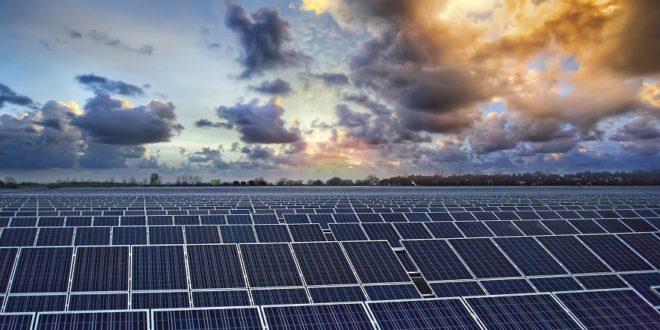 Átadták a kétezer háztartást ellátó, többhektáros napelemfarmot