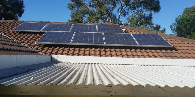 Kötelező napelem a lakóházakon: 15-20 év alatt térül meg