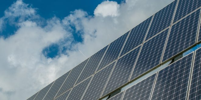 Az ország legnagyobb naperőműve épül Kapuvár mellett 10 milliárd forintból