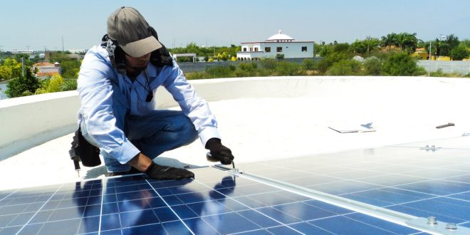 Mi magunk is felszerelhetjük a napelemet a tetőre?