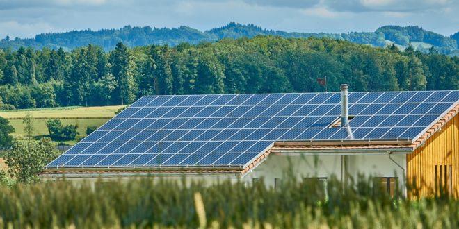 Vállalkozók, figyelem: akár 3 milliót is el lehet nyerni a napelem pályázaton!