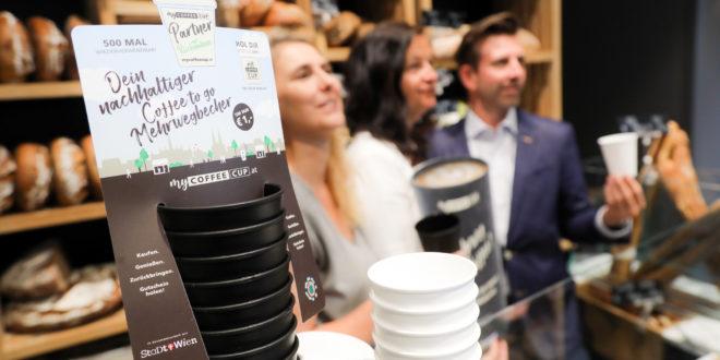 Bécsben többszörhasználatos poharakkal harcolnak a klímaváltozás ellen