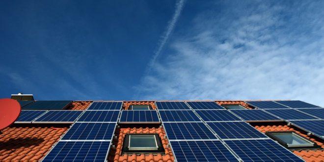 Napelemes pályázat – 100.000 Ft-ból telepítenek napemeket a tetőnkre