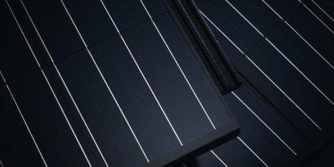 Díjat nyert a magyar napelemes tetőcserép