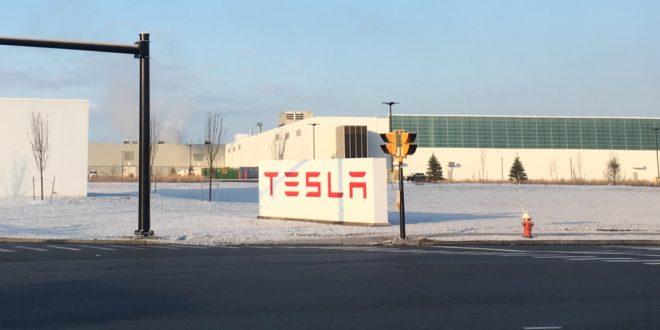 Nem Magyarországon építi első európai gyárát a Tesla