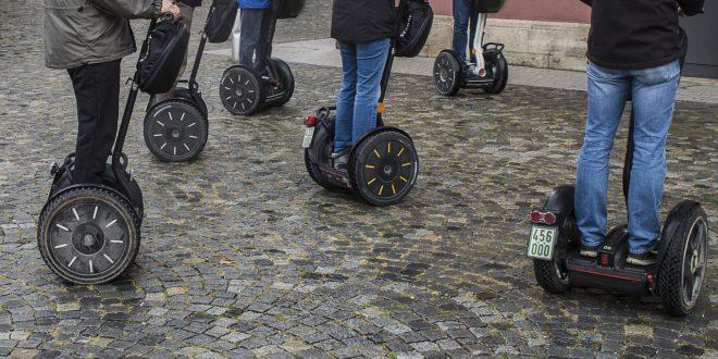 Kötelezővé tették a rendszámot az e-rollerekre Németországban