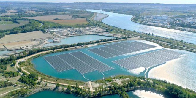 A Föld legnagyobb úszó napelemparkja